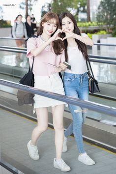 Fashion Idol, Fashion Tag, Kpop Fashion, Daily Fashion, Korean Fashion, Girl Fashion, Womens Fashion, Kpop Mode, Ulzzang Korea