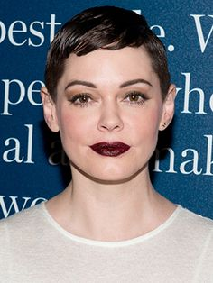 Joan of Arc heard voices that told her to cut off her long hair and kicked off centuries of fierce women with pixie cuts. There's no supernatural explanation for Rose McGowan's new crop, but she did chop it herself....