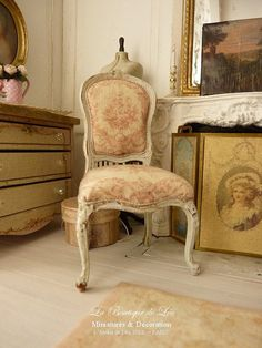 Dollhouse French castle 1''scale - Shabby chair  Louis XV - Red toile de Jouy and Gustavian grey - Furniture for a dollhouse in 1:12th scale...
