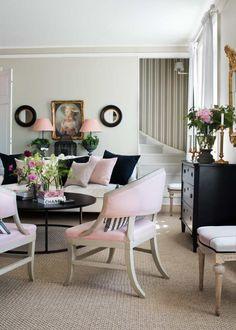 Hello do I live here!? Underbart vackert vardagsrum på Sköna hems omslag denna månad. Det är inredaren Caroline Endres hem som vi sett i olika magasin genom åren. Smart lösning! Har du snedtak, en...