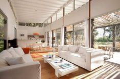 White, light and dappled shade. -  Beach house from Martín Gómez Arquitectos - Punta del Este, Uruguay.
