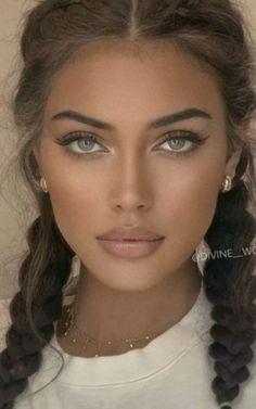 Beautiful Women Pictures, Beautiful Girl Image, Gorgeous Women, Most Beautiful Eyes, Stunning Eyes, Girl Face, Woman Face, Brunette Beauty, Hair Beauty
