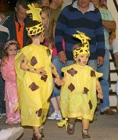 Per disfressar-nos de girafes Olaf Costume, Costume Carnaval, Animal Costumes, Diy Costumes, Halloween Costumes, Lion King Costume, Giraffe Costume, Carnival Crafts, Jester Hat