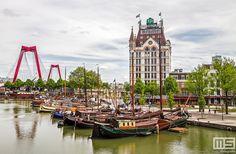 Gezicht op de #oudehaven met historische stoomschepen met op de achtergrond #hetwittehuis en links de #willemsbrug .... 2016