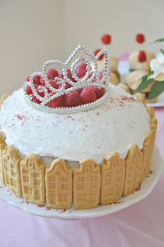 Princess Party Castle cake and decor on DESIGN + LIFE + KIDS