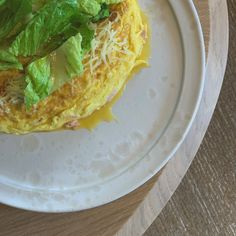 Recette Omelette jambon fromage de Cyril Lignac Mets, Cabbage, Tacos, Vegetables, Ethnic Recipes, Food, Mardi, Instagram, Eten
