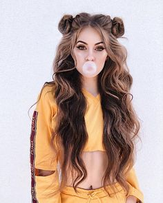 long hairstyles Best Hairstyles for Summer Music Festivals: Coachella Inspired. From double braids, to space buns, to glittery hair, we dissected this years music festival hair trends and compiled a list of looks that well be recreating all summer long. Try On Hairstyles, Summer Hairstyles, Trendy Hairstyles, Hairstyle Ideas, Hairstyles Tumblr, Fashion Hairstyles, Curly Hairstyles For Long Hair, Hair Ideas, Instagram Hairstyles