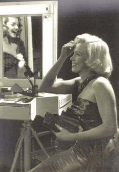 MM, Sammy Davis Jr on the set of How to Marry a Millionaire with Lauren Bacall