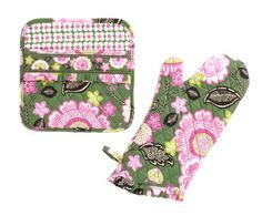 What's Cookin' Potholder Set in Olivia Pink, $30 | Vera Bradley
