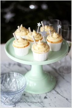 Tolle Idee: Champagner cupcakes   gefunden auf: little.empty.room