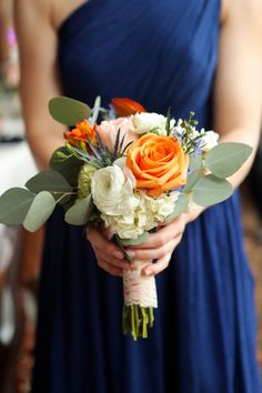 27 Blue Fall Wedding Ideas To Stand Out Many couples choose burgundy, gold or orange but if you want to stand out, you can try blue. Navy, dazzling blue or some pastel shade of blue … Navy Orange Weddings, Orange Wedding Colors, Fall Wedding Colors, Wedding Color Schemes, Peach Weddings, Bridal Bouquet Fall, Fall Wedding Bouquets, Fall Wedding Flowers, Floral Wedding