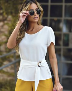 {New Collection} Details! Mode Outfits, Casual Outfits, Fashion Outfits, Womens Fashion, Cute Blouses, Blouses For Women, Blouse Styles, Blouse Designs, Kleidung Design