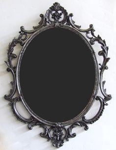 Ung drill miroir ovale noir pellicule miroirs et les for Miroir ung drill