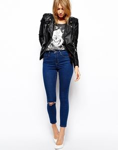 Buy ASOS Ridley Skinny Ankle Grazer Jeans in Rich Dark Wash Blue With Ripped Knee at ASOS. Get the latest trends with ASOS now. Jeans Boyfriend, Asos, Super Skinny, Jeans Stretch, Ankle Grazer Jeans, Women's Plus Size Jeans, Hipster Looks, Jeans With Heels, Womens Fashion