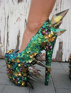 These are out of control! : Dragon Spike Crystal Glitter Shoes #rock #chic