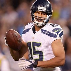 Wilson  Kearse making  unbelievable plays . Jermaine Kearse c5041feb5