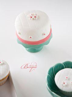 Mini Bolo de Flores • Mini Cake Flowers | Doces do Bosque