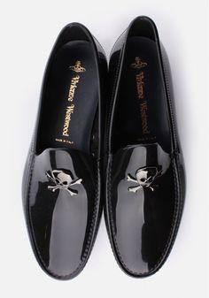 Vivienne Westwood Skull & Crossbone Men's Moccassin Black – Men's style, accessories, mens fashion trends 2020 Me Too Shoes, Men's Shoes, Shoe Boots, Dress Shoes, Shoes Men, Gq Style, Mode Style, Fashion Shoes, Men Accessories