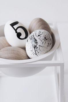 Černobílá vajíčka / B&W eggs