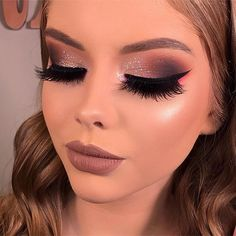 ,Maquillaje Related posts:New Eye Makeup Burgundy Silver Ideas - MakeupWith 50 Bright Eye Makeup It Seems Everyone Can. Glam Makeup, New Year's Makeup, Bright Eye Makeup, Makeup Is Life, Love Makeup, Bridal Makeup, Beauty Makeup, Hair Makeup, Makeup Ideas