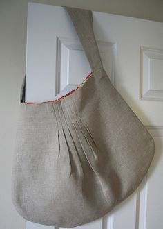 Pleated linen bag