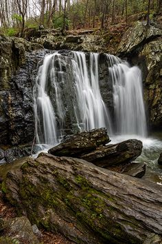 Rocks State Park in northern Maryland is just an hour's drive outside of Baltimore, making it a great option for nature photographers living in, or visiting, the city. There are two main features in the park that will appeal to photographers. The first is Kilgore Falls, a beautiful 19-foot waterfall. The second is the King and Queen Seat, a 190-foot rock outcropping that rises about the surrounding forest.