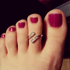 Nice to ring Beautiful Toes, Lovely Legs, Cute Toes, Pretty Toes, High Heel Tattoos, Purple Toes, Crazy Women, Toe Polish, Girly