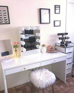 Images and video footage for creative artists. new weekly content for those who love makeup, makeup organization, & beauty room design. All Things Beauty, Top Beauty, Beauty Makeup, Beauty Tips, Beauty Room, New Room, Dorm Room, Room Decor, Makeup Organization