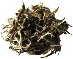 White Cui Min är ett fantastiskt ekologiskt vitt te från Qingshan teplantage. Teplantagen ligger på en halvö där all odling är ekologisk. Långt ifrån industrier och hela 7 km till närmsta bilväg.