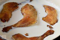 Pulpe de pui cu ciuperci si smantana - CAIETUL CU RETETE Bacon, Breakfast, Food, Morning Coffee, Essen, Meals, Yemek, Pork Belly, Eten