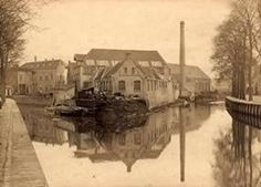 De oudste fabriek van enige omvang in Breda was de machinefabriek van Backer en Rueb. De fabriek werd in 1861 gevestigd op twee eilandjes in de rivier De Mark, midden in de oude binnenstad (zie foto). Breda was op dat moment nog omringd door wallen!