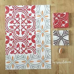 Start stamping big floor tile stamp #handprinted #handcravedstamp #handcarved #handcravedstamp #bymamalaterre #floortiles