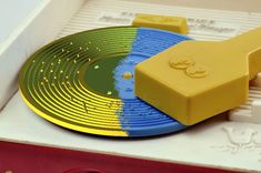 3D Printing Records for a Fisher Price Toy Record Player by fred27, instructables. #DIY #3D_Printing #Toy #Record_Player