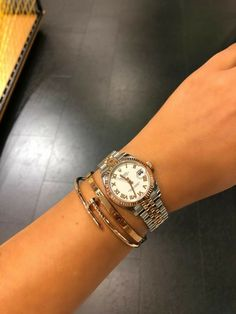 cartier juste un clou bracelet cartier juste un clou bracelet Cartier Armband, Bracelet Cartier, Cartier Jewelry, Diamond Jewellery, Jewelry Trends, Jewelry Accessories, Rolex Women, Love Bracelets, Arm Candy Bracelets