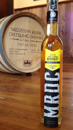Mississippi River Distilling Company - LeClaire, Iowa - Seasonal Spirit #4: Queen Bee Honey Whiskey
