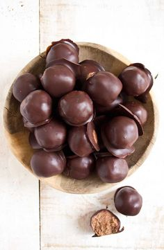 Keto truffles made with almond butter and a low carb chocolate coating are perfect for those moments when only a decadently nutty bitesized treat will do. Low carb and sugar free. Low Carb Candy, Keto Candy, Low Carb Sweets, Low Carb Desserts, Healthy Sweets, Dessert Recipes, Keto Recipes, Free Recipes, Atkins Desserts