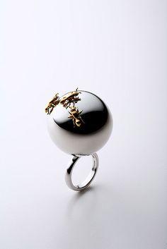 Pearl Jewelry, Jewelry Art, Jewelry Rings, Jewelry Accessories, Fashion Jewelry, Jewelry Design, Contemporary Jewellery, Modern Jewelry, The Violet