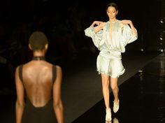 Confira 11 tendências para o verão 2015 desfiladas no SPFW - Terra Brasil