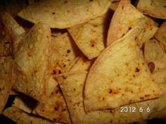 Next Recipe Spicy baked tortilla chips, low sodium, low fat :) so so so delicious and NO GUILT. Low Sodium Snacks, No Sodium Foods, Low Sodium Diet, Low Sodium Recipes, Cholesterol Diet, Low Carb, Reduce Cholesterol, Cholesterol Levels, Low Sodium Bread