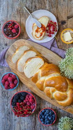 Dinkelzopf - super luftig und gut verträglich - Mrs Flury - gesunde Rezepte Breakfast, Vegetarian Recipes, Healthy Recipes, Easter Pie
