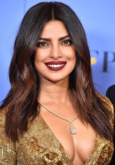 """This is what makeup artists like to call """"a nighttime lip."""" And while wearing it in the bedroom might result in a mess-and-a-half, it's the perfect provocative hue to slick on before a date. Priyanka Chopra Hot, Priyanka Chopra Lipstick, Date Night Makeup, Looks Dark, Celebrity Makeup Looks, Lip Colour, Pretty Makeup, India Beauty, Beauty Women"""