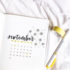 This is your ultimate Bullet Journal Set Up guide for beginners. Learn how to start your Bullet journal today for a beginner. Bullet Journal Planner, Bullet Journal Titles, December Bullet Journal, Creating A Bullet Journal, Bullet Journal Cover Ideas, Bullet Journal Aesthetic, Bullet Journal Inspo, Bullet Journal Spread, Journal Covers