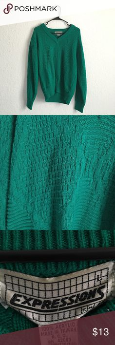 VTG SWEATER Vintage kitsch emerald green sweater. Very warm and comfy and vibrant. Perfect for standing out and staying warm. Sweaters V-Necks