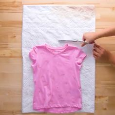 We aren't KIDding around with these 10 easy clothing alterations. - sweety - We aren't KIDding around with these 10 easy clothing alterations. Sewing Lessons, Sewing Hacks, Sewing Tutorials, Sewing Tips, Easy Clothing, Clothing Hacks, Dress Sewing Patterns, Sewing Patterns Free, Altering Clothes