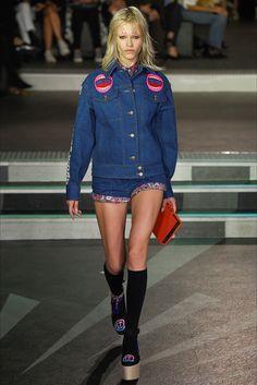 Sfilata Olympia Le-Tan Parigi - Collezioni Primavera Estate 2017 - Vogue
