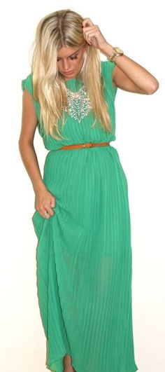 I am in love with this dress.... Teal is going to be my Fall color of choice.