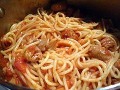 INGREDIENSER 500 g pasta 10 chipolatas … - Schweizer Rezepte! One Pot Pasta, Tupperware, Sauce Tomate, Mozzarella, Nom Nom, Spaghetti, Ethnic Recipes, Desserts, Food