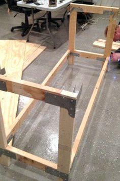 Impressive Build Your Own Garage Workbench Ideas. Irresistible Build Your Own Garage Workbench Ideas. Workbench Plans, Woodworking Workbench, Easy Woodworking Projects, Woodworking Videos, Fine Woodworking, Garage Workbench, Industrial Workbench, Workbench Organization, Woodworking Furniture