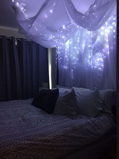 The Fundamentals of Galaxy Bedroom Decorating Ideas Revealed - beterhome Dream Rooms, Dream Bedroom, Cozy Bedroom, Bedroom Bed, Night Bedroom, Star Bedroom, Lego Bedroom, Bedroom Black, Bedroom Inspo