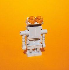 Adorable Robot LEGO Sculpture by Bodo Elsel